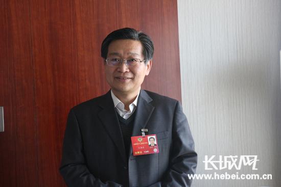 全国政协委员,河北省农林科学院副院长王海波.长城网 张天虎 摄
