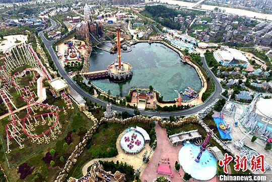 航拍福建贵安欢乐世界梦幻主题公园|度假区|小镇_凤凰