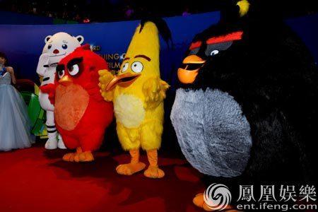 《愤怒的小鸟》亮相大影节 造型可爱引90后欢呼