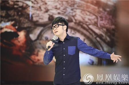 """王铮亮做客《拜托了妈妈》 """"萌""""态百出秀音乐育儿法"""