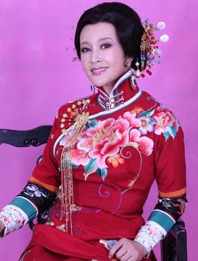 刘晓庆为新话剧《风华绝代》试装