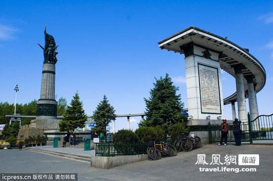 凤凰旅游  防洪纪念塔 哈尔滨防洪胜利纪念塔,坐落在风景如画的松花江