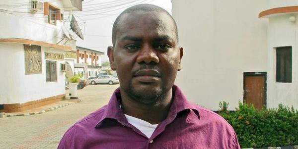尼日利亚一艘拖船倾覆后,船上厨师依靠一个气泡存活下来并最终获救。