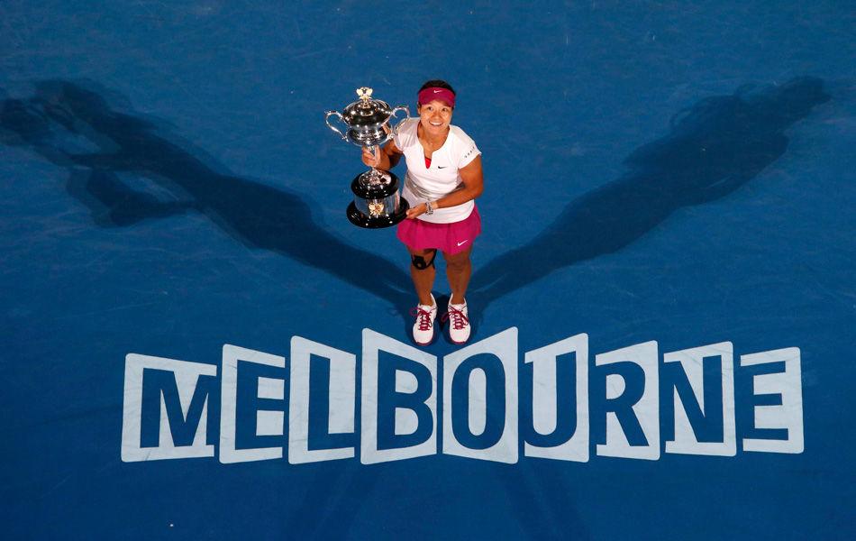 2014年1月25日,2014年澳网女单决赛,李娜2-0齐布尔科娃,继2011年法网夺冠后,收获第二座大满贯奖杯。成为澳网100多年的历史上(澳网1905年创办),首位夺冠的亚洲球员,以31岁334天的年龄,成为年纪最大的澳网女单冠军,以及40年来首位超30岁冠军。