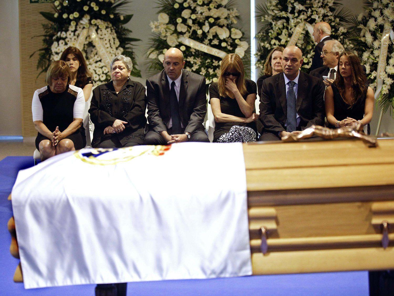 2014年7月8日,马德里,迪斯蒂法诺告别仪式举行,球迷聚集伯纳乌球场外送别传奇。