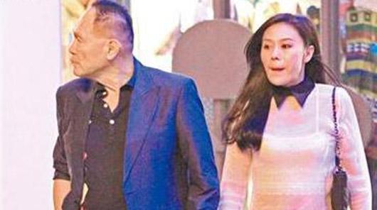 76岁船王赵世曾背女友偷腥 与嫩模餐厅约会当街牵手