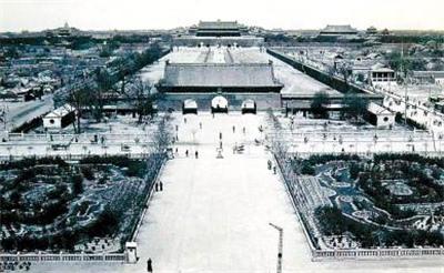 中国哪个朝代有三位皇帝曾拼死拒绝登皇位?