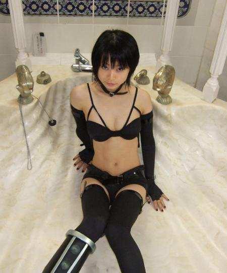 日本办公室诱惑动态_俄罗斯美女惊人柔术写真演绎办公室诱惑