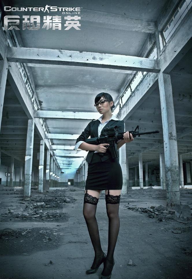 制服视频黑丝v视频!反恐精英OL爱好者COS视频美女性感丝袜内裤美女