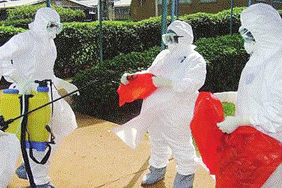 """最让人们感到悲伤的是这则事例:在扎伊尔和苏丹西部第一次爆发的地方,扎伊尔318例感染,有280例死亡;苏丹有285例感染,151例死亡。最后由于病毒孵化期短,杀人的速度比传播快,导致杀死一部分人之后无法再传播,从而""""阻断""""了传染源。"""