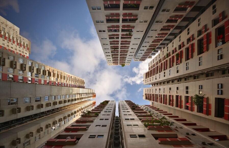 摄影师仰拍香港摩天大楼 令人晕眩像是走进森林中(1/13) -  东方.旭 - 东方.旭的博客