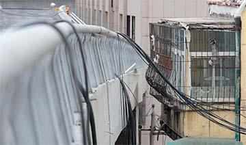 山西新建高架桥紧贴居民楼 最近处不足0.5米