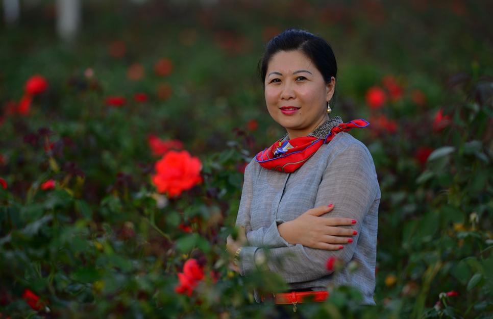 三亚兰德国际玫瑰谷发展有限公司董事长杨莹图片