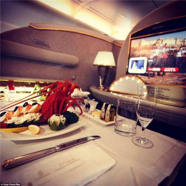 能晒在ins上的飞机餐都是很豪华的