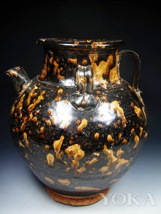 宋代出土的玳瑁斑黑釉瓷
