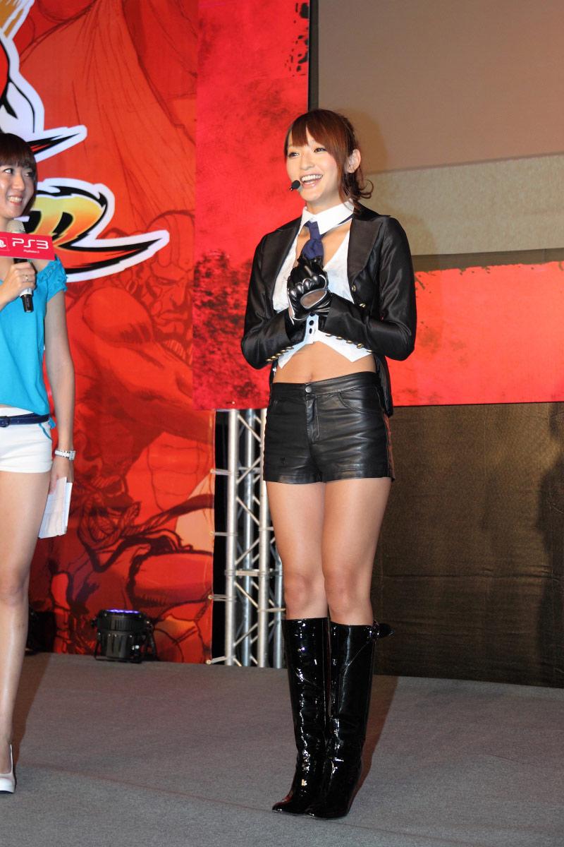 日本艺人佐藤佳代初次访台-街霸25周年纪念大赛 日本变性艺人到场助阵