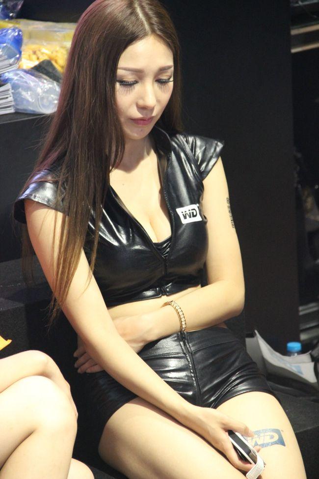 2013cj看美女:wd showgirl小热裤性感无敌 竖