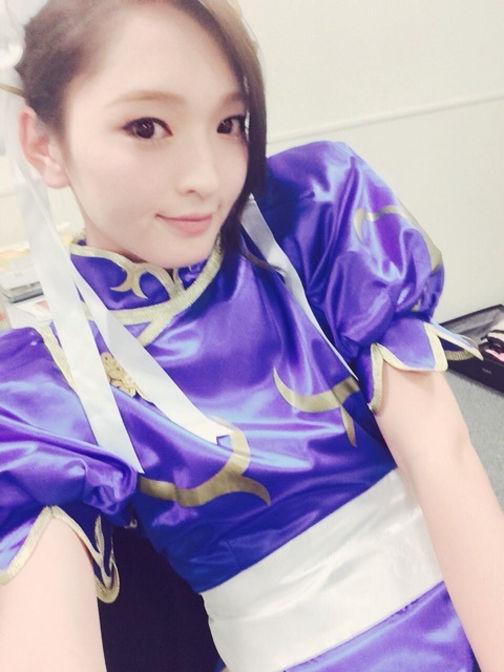 """图为\""""日本最美玩家\""""佐藤佳代.-日本最美玩家原是男儿身 打雌性激..."""