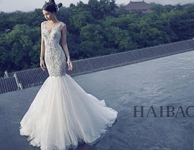 baby曾说过自己梦想的婚纱是要有大大裙摆拖地很长的