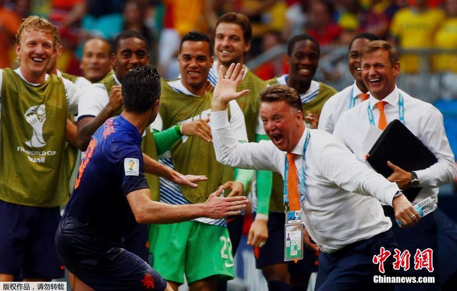 2014年6月13日,巴西世界杯小组赛,荷兰对阵西班牙,荷兰队主教练图片