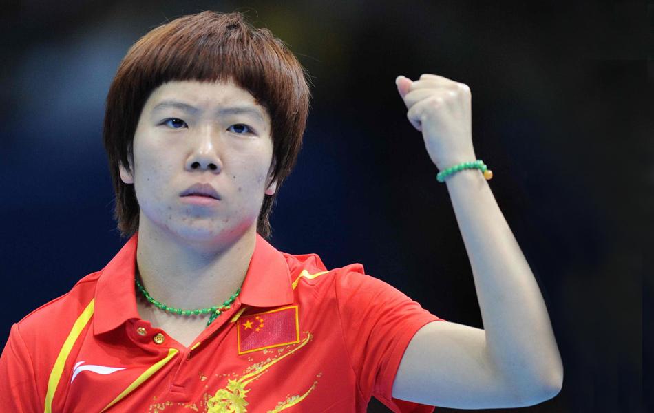 2012年8月1日,2012年伦敦奥运会乒乓球女单决赛,两位中国选手内战,丁宁对阵李晓霞。经过五局激战,李晓霞以4-1击败丁宁,拿下奥运冠军,五局比分为11-8、14-12、8-11、11-6和11-4,丁宁未能实现大满贯伟业。