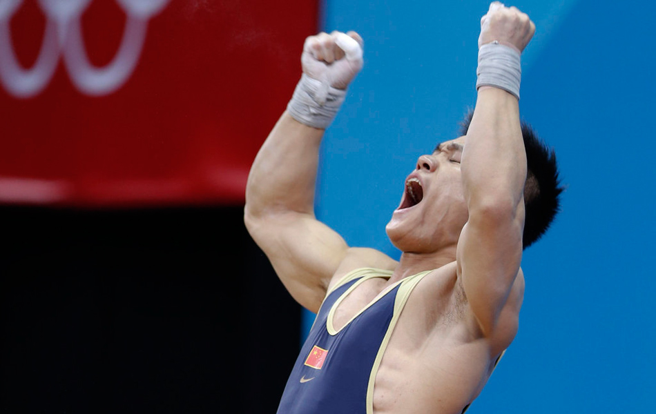 2012年8月2日,2012年伦敦奥运会男子举重77公斤级比赛,吕小军以175公斤的成绩打破抓举世界纪录并夺取最终冠军,另一位中国选手陆浩杰带伤夺得银牌。
