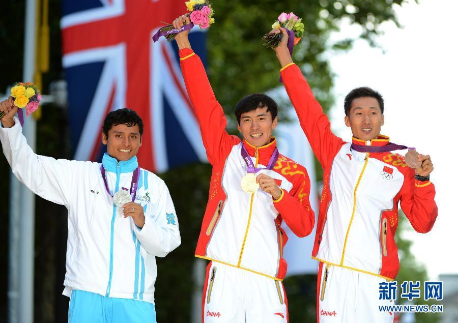2012年8月5日,2012年伦敦奥运会男子20公里竞走决赛拉开帷幕。赛前被寄予厚望的双子星发挥出了超高的水平,从比赛的一开始就处于领跑集团。在最后时刻陈定霸气外漏,强势夺得了该项目的冠军。他的成绩是1小时18分46秒,另一位中国选手王镇也获得了第三名,他的成绩是1小时19分25秒。