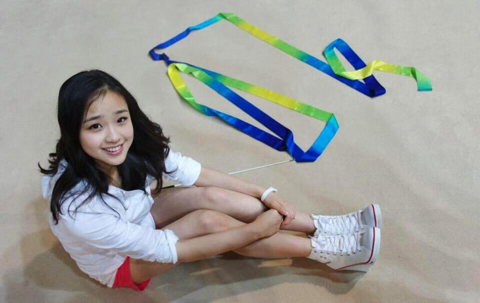 体育 图片 > 正文  近期,韩国体操美女孙妍在一组私房写真照片曝光.