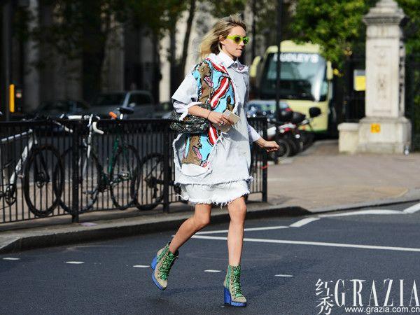 英伦范套装正流行 2013春夏伦敦时装周最新街拍【居民被要求证明2是二】