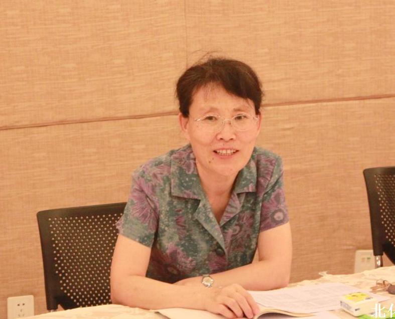 夫妻剧场王芳_王芳书记与生命学院青年教师代表座谈