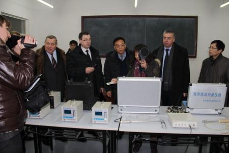 罗夫斯克市科技工业考察团与交通学院学术交流会议圆满结束图片