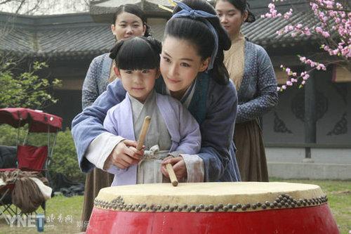 《精忠岳飞》梁红玉女装造型 张馨予演母亲_娱