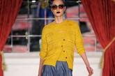 中国著名模特杜鹃曾经在接受访问的时候就说过,走秀的时候经常脚会磨破皮,贴上一块创可贴还要坚持。图为:杜鹃2009年参加纽约时装周