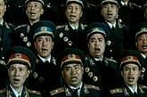 一九五九年全军第二届文艺汇演开幕式上,在国庆十周年的人民大会堂上,每当主持人报出晚会的第一个节目由《将军合唱团》演出大合唱《红军纪律歌》、《在太行山上》、《我是一个兵》时,总会引发全场激动欢呼和经久不息的掌声。这不是普通的歌唱,这是雄伟的史诗。它唱出了人民军队的本色,唱出了人民军队的光荣传统。