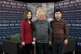 嘉宾合影。左一为凤凰卫视女主播梁茵,中间为原科技部专职委员陈祖涛,右一为凤凰网汽车主编肖建华