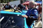 自1945年以来,Hershel McGriff 已经在赛道上沉浮了将近70年。他在1954年开始正式参加 NASCAR 比赛,随后摘得过四次冠军。在离开 NASCAR 十年后,他于1967年重返赛道。2002年,McGriff 荣升为年纪最大的 NASCAR 赛车手