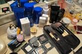 女高管还是个彩妆控,各大类的彩妆单品应有尽有。