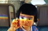 日本摄影师川岛小鸟(Kotori Kawashima)照片中的小虎妞特别可爱,就像是奈良美智的娃娃。此次,未来小妹离开了家乡佐渡岛,跨越重洋,来到了花都巴黎,这可是未来酱第一次出远门哟!