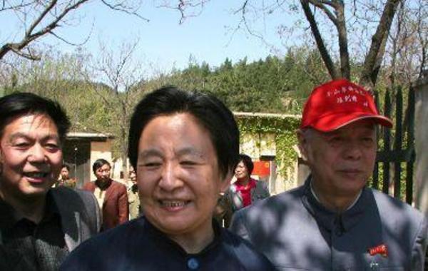 事后江青对王洪文和徐景贤说