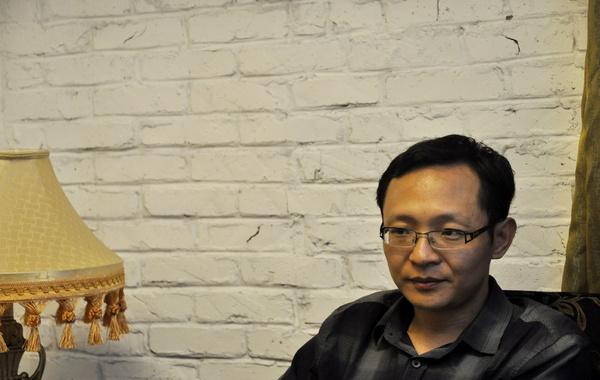 7月12日下午,凤凰网在中国政法大学蓟门桥校区对话网上争议人物吴法天。摄影:李白…