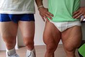 德国自行车手秀腿肌
