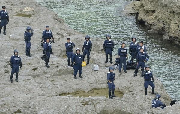 当地时间9月21日晚,日本海上保安厅的部分保安官和冲绳县警察本部的数十名警察官登上钓鱼岛,准备对付有可能登陆该岛的台湾的一艘保钓船。据日本海上保安厅消息,从昨日下午开始,台湾的一艘保钓…