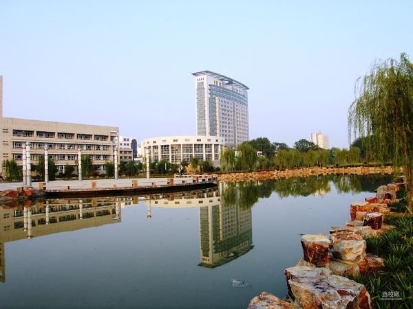 组图:江苏大学校园风景