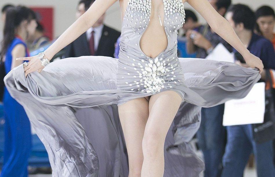 商业模特大尺度上阵引底线争议 在裸与不裸间