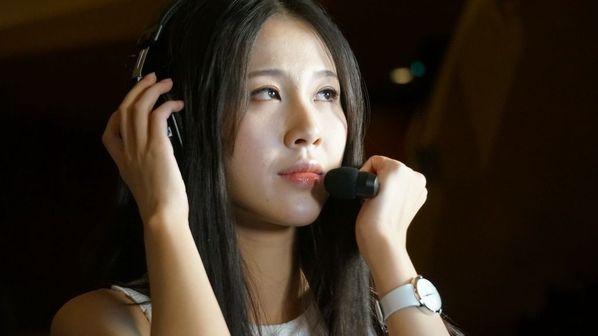 ti3正赛首日最美女解说