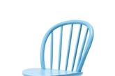蔚蓝餐椅    春的欢快气息当中,也需要有一些简单的表达。这款餐椅弧形的设计自然而委婉,体现了春的柔美又不失宁静。