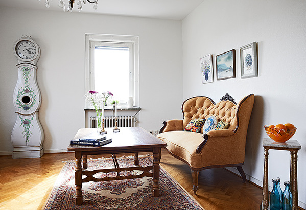 56平米北欧古典公寓 旧物让空间变得奇幻