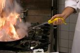 如果你是个厨房新手,不会处理蔬菜?烤面包会烤焦?不敢剖鱼?小事!有了这些创意厨具来帮手,再也没人会叫你黑暗料理界掌门人了!(实习编辑:王臻)