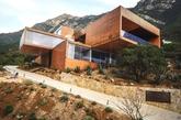 墨西哥伊尔-乔努克的Narigua别墅,由P+0建筑事务所设计,拥有360度全景视野。(实习编辑:温存)