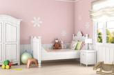 霜雾色系的粉嫩墙面,让你仿佛置身大自然,享受甜美的花香和温柔的清风。徜徉于温馨的空间里,空气中也仿佛有一丝甜蜜在弥漫。(实习编辑:辛莉惠)